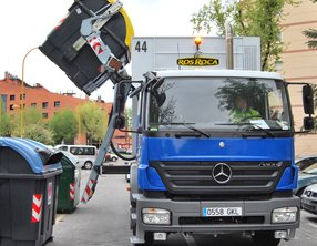 Mercedes dump truck equipped with an Allison transmission