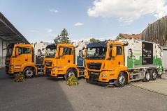 Presentation of the three new hybrid refuse trucks for the refuse collection fleet of the Swiss city of Thun